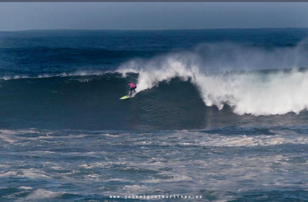 Fotografía de José Miguel Martínez. Surf en Cantabria.